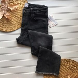 NWT Free People straight cropped jeans frayed hem